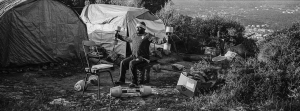 26 March 2019 – Dore Motonatembe keeps fit by doing exercises in front of his tent, in the Samos camp, Samos, Greece. Dore Motonatembe hält sich im Camp auf Samos fit.
